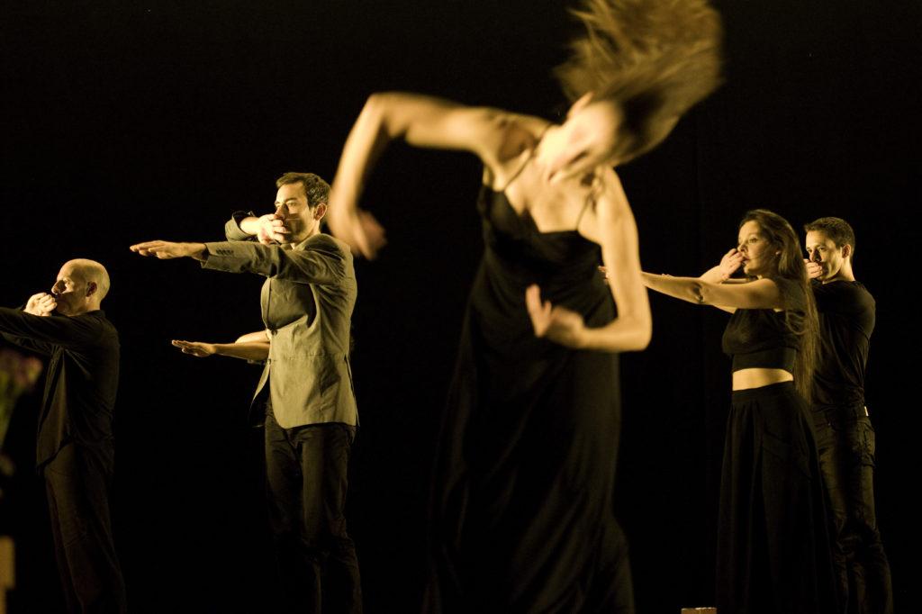 The Invisible Woman (Identity) Provisional Danza