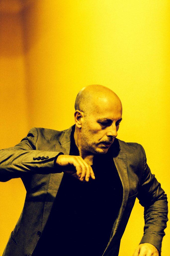 Alejandro Morata. TELL ME (5 dancers version)